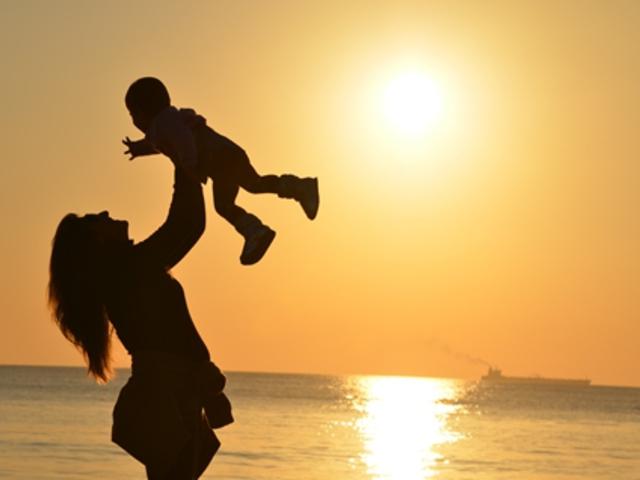 az egyedülálló anyák társkereső előnyei Valentin-nap ötletek újonnan társkereső