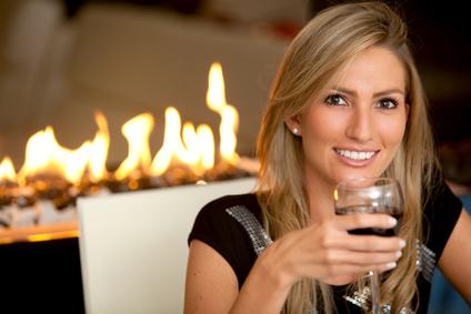 stockfresh_1435642_woman-at-a-romantic-dinner_sizexs.jpg