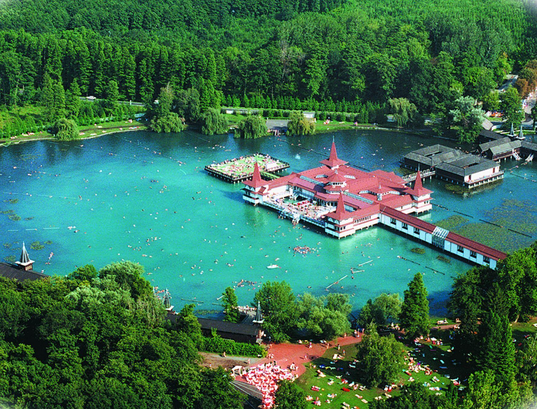 lake-heviz_1.jpg