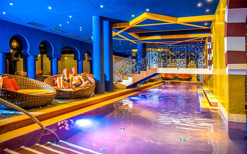 shiraz-hotel-wellness-furdo.jpg