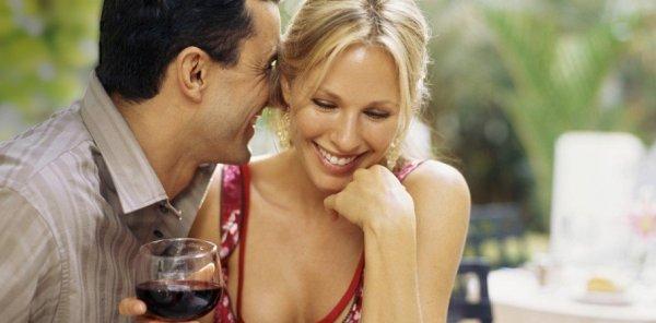 couple-enjoying-wine-940-4501-910x450-600x296.jpg
