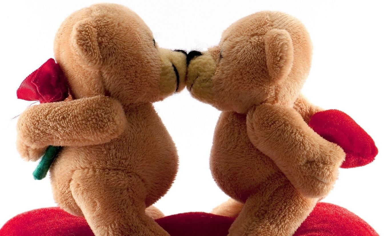 valentines_day_bears_kiss_romance_wallpapers.jpg