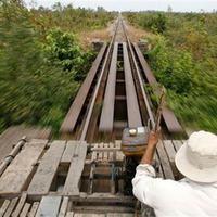 Bambuszvonatok Kambodzsában