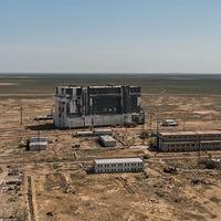 Űrrepülőgépek az elhagyott hangárban