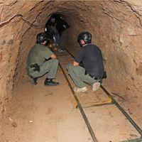 A drogbáró alagútjai