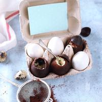 Tojáslikőrös-vaníliás csokitojások