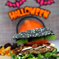 Fekete hamburger Halloweenre!