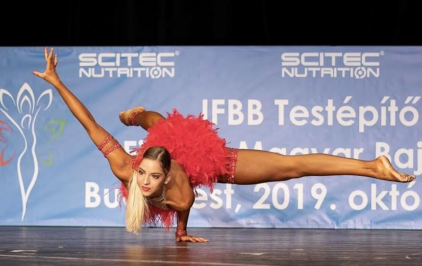 Büszkeségeink: Frauenberger Panna fitness versenyző, a JÁK hallgatója