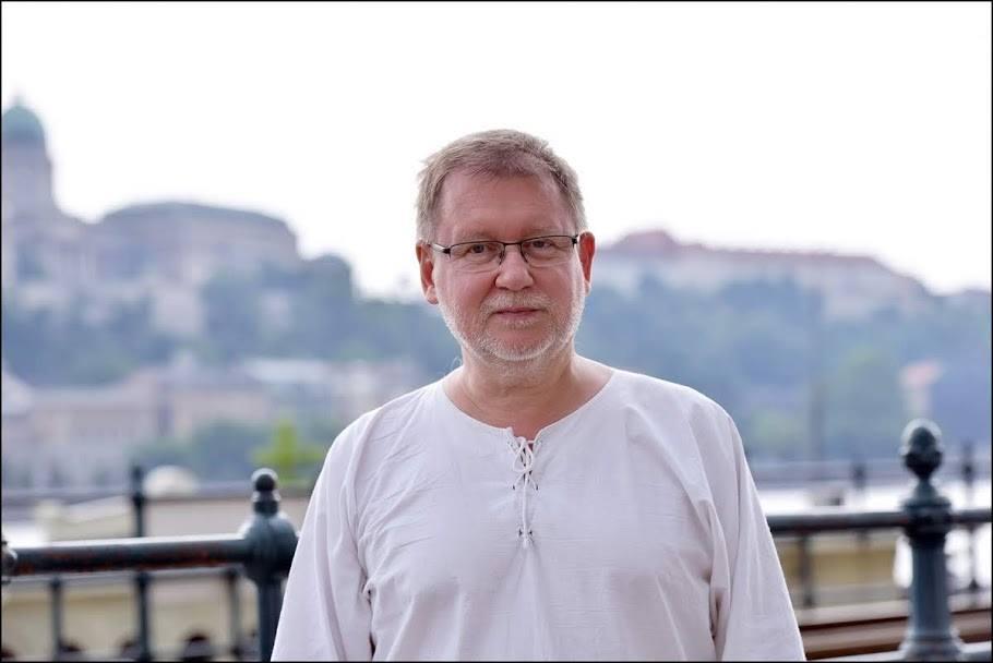 Beszélgetés Vörös István íróval, Egyetemünk oktatójával