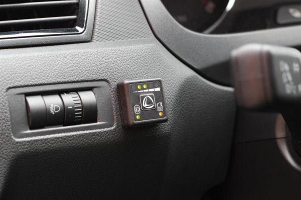 Autogaz-LPG-kapcsolo-a-muszerfalon.jpg