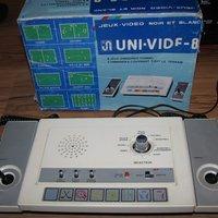Az új  pong konzol szerzemény: Uni-Vid F-8