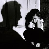 Elhagyott feleség, vadházasság, gyermekbántalmazás — Egy szomorú pécsi történet 1919-ből