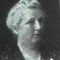 Tanárnő, iskolaigazgató, az első igazi Városanyák egyike –