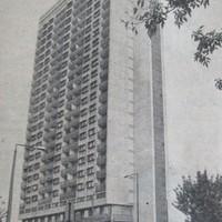 Kiköltözés: március 21-ig az összes lakónak és intézménynek el kell hagynia a Magasházat! - 1990. január