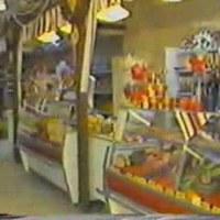Karácsonyi készülődés Pécs áruházaiban - 1986. december