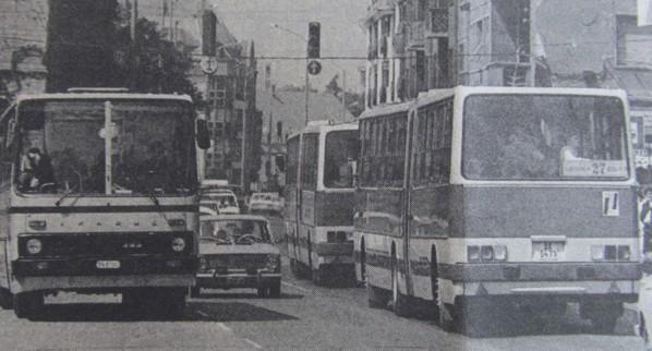 buszok_pecs_rakoczi_ut_1988.jpg