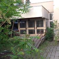 Különös álmok az elhagyatott épület környékén