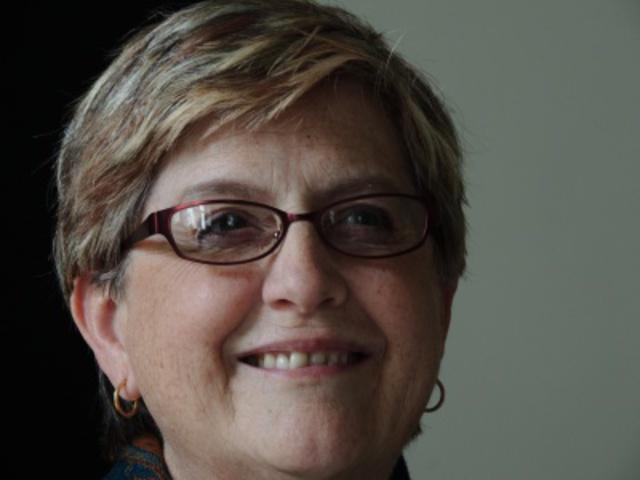 2013 május. Carol Ciavonne (USA): Pécs, a messzi közel