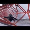 A két őrült orosz legújabb klipje a Sanghaj Torony megmászásáról