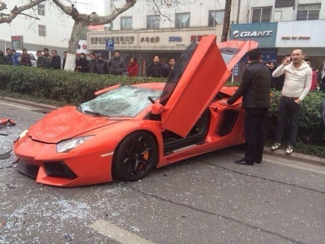 Lamborghini-3.jpg