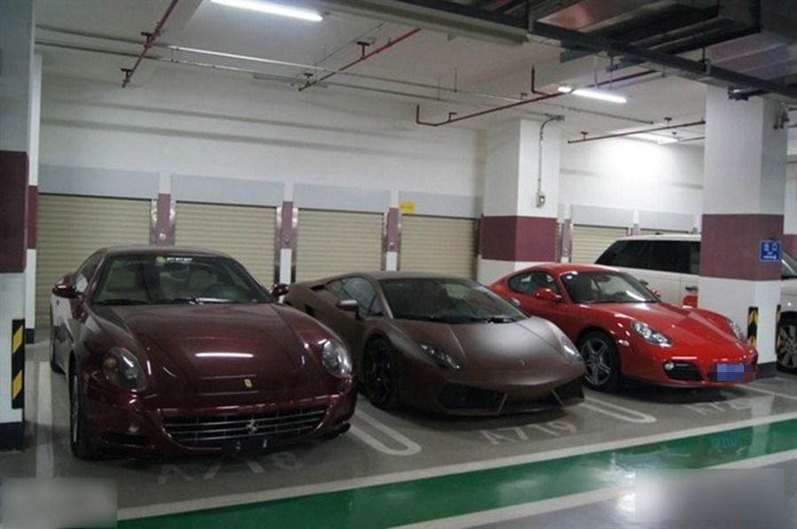 Peking-yintai-centre-garázs-9.jpg