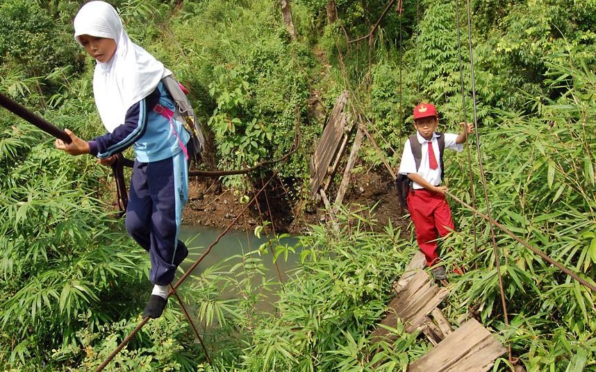 batu-bridge_2509449k.jpg