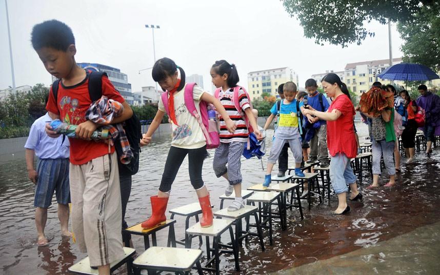 floods-stools_2509450k.jpg