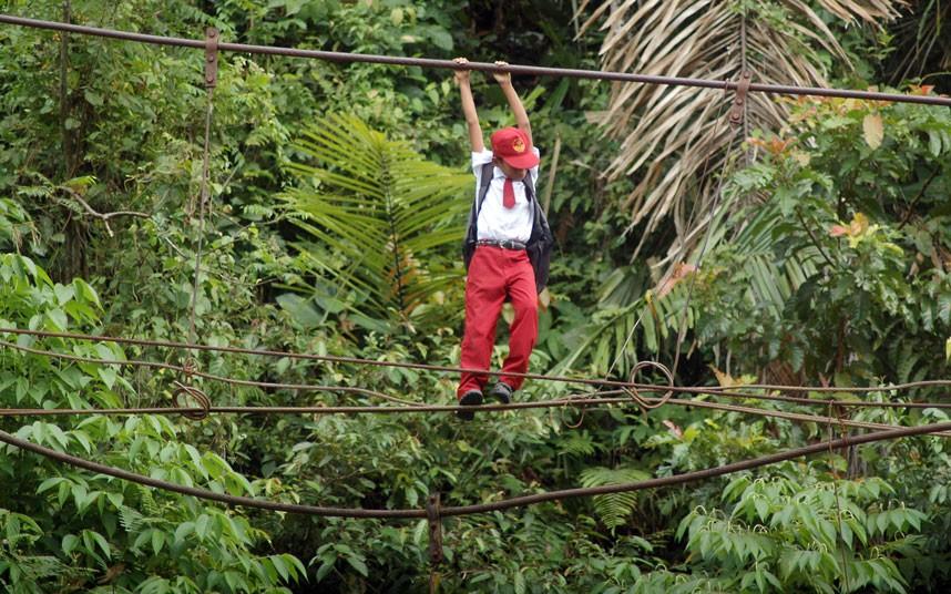 indonesia-school_2389840k.jpg