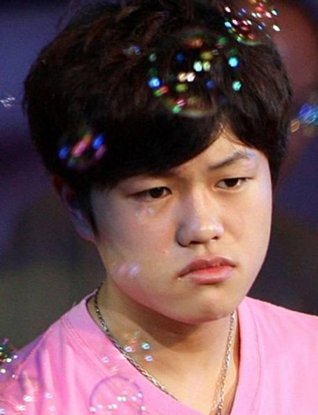 12 éves kínai énekes