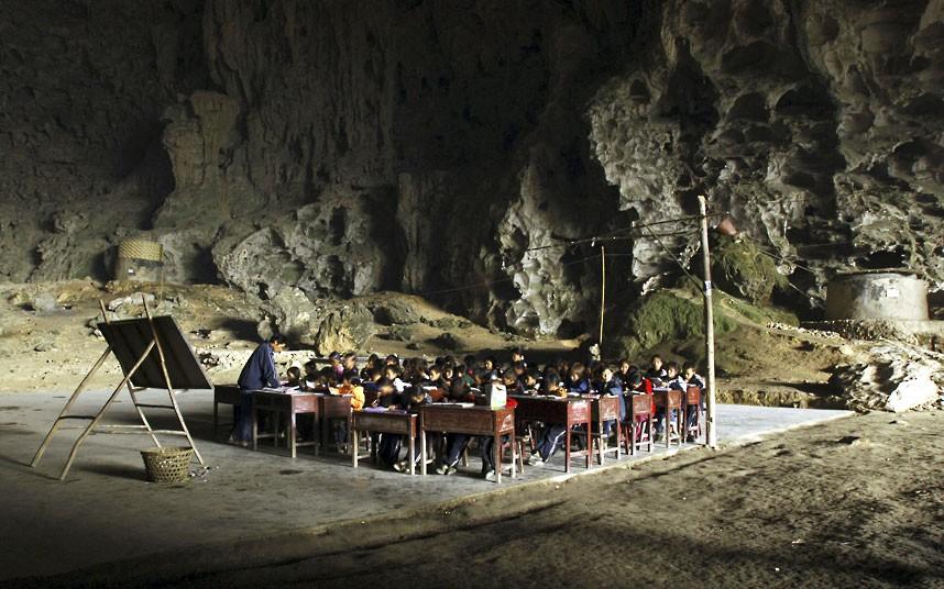 school-in-a-cave_2509437k.jpg