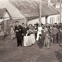 Esküvői menet Csobánkán