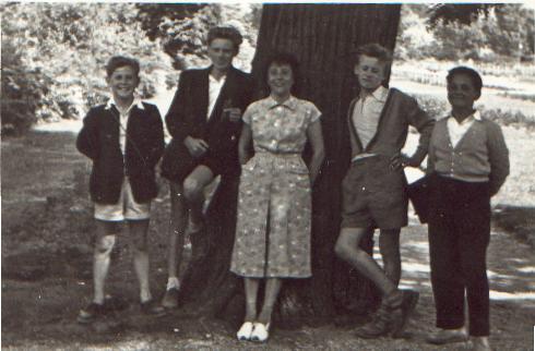 ballagas_utan_kirandulas_a_margit-szigeten_1958.JPG