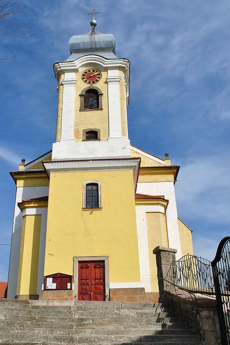 romai_katolikus_templom_7226_szamu_muemlek_3_wikipedia.jpg