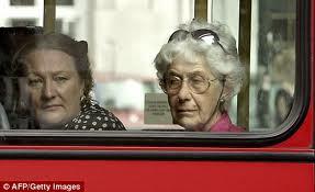 nyugdíjas buszos.jpg