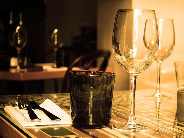 Finom vacsora egy pohár fröccsel!