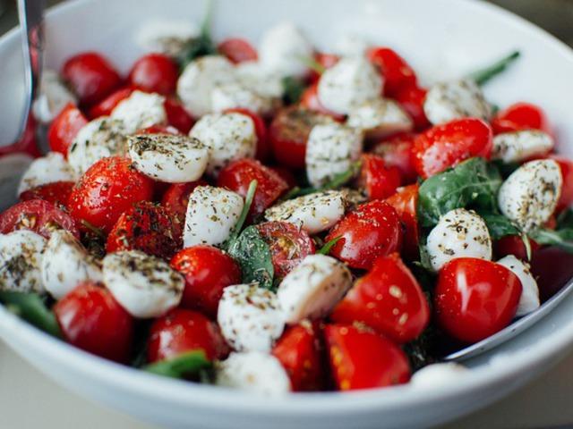 Munkaügyek salátában