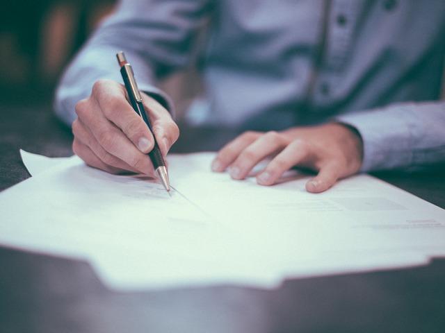 A közbeszerzési eljáras nyertes ajánlattevőjeként szerződő felet érheti-e joghátrány nem megfelelő szerződésmódosìtás esetén?