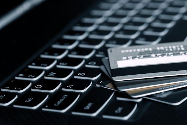 credit-cards_144627-16725.jpg
