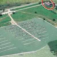 Itt pergetek: Velencei-tó, dinnyési csónakkikötő