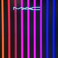 MAC üzlet nyította meg kapuit a Douglas Parfümériában!