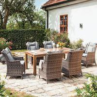 Napsütés, madár csicsergés, virág illat, hintaágy, egy kényelmes fotel, kert..................
