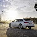 Az Audi nagyméretű kombi modellje most hálózatról tölthető hibridként is elérhető.