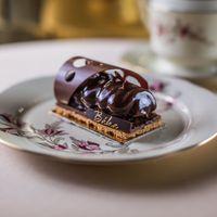 A Radisson Blu Béke Hotel****superior-ban működő Zsolnay Kávéház minden évben előrukkol egy újabb desszertsorral.