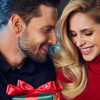 Karácsonyi ruhába öltöztetett AVON újdonságok, már a katalógusban