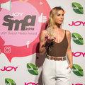 A szabadban, és citromos hűsítővel lazít a JOY Social Media Award #fashionfanje