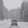 Felkészülés és gyakorlás a téli vezetés kulcsa
