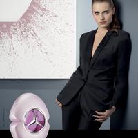 Mercedes-Benz Woman. A gyengédség ereje.