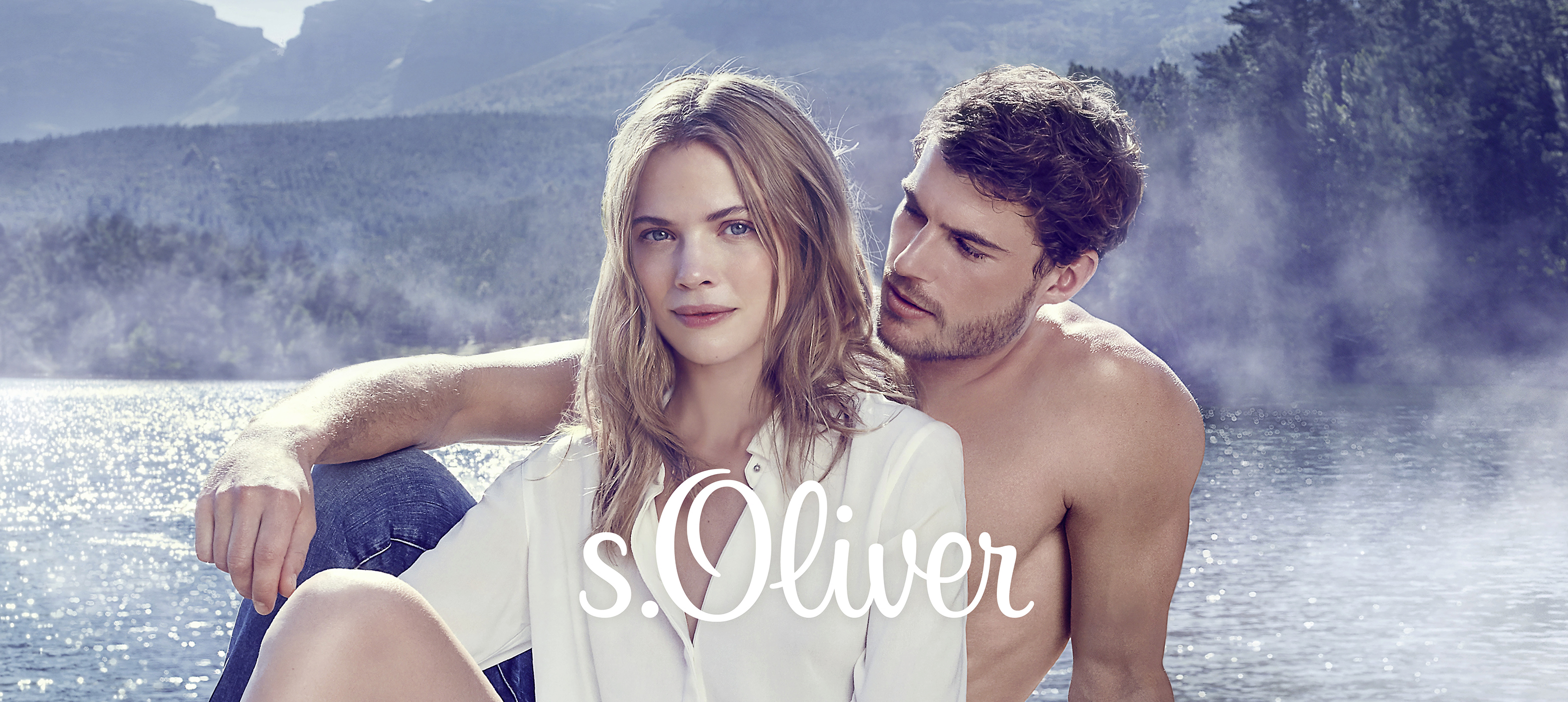 """Gyengéd, makulátlan, hiteles, egyszóval """"hygge"""" - ilyen az s.Oliver SO PURE illata. A skandináv életérzést közvetítő női és férfi illat 2017. augusztus végétől kapható a kereskedelemben. Az s.Oliver SO PURE Women és az s.Oliver SO PURE Men kellemesen körülhízelgő illata tökéletes útitárs a mindennapokban. Könnyedséget sugároz, és a lényegre összpontosít: hogy jól érezzük magunk a bőrünkben, és hogy élvezzük a színtiszta életet. Lenyűgöző az s.Oliver SO PURE illat- és látványvilágának skandináv stílusa.<br /> <br />Pure Life – Pure You<br />No filter, no make-up - szűrő nélkül, kendőzetlenül. A """"többet adunk a látszatra, mint a lényegre"""" már a múlté. Mert vágyunk a hamisítatlanra, a természetesre, hitelesre. A valódi barátokra és a megjátszatlan boldogságra. Mert a kevesebb gyakran több! Az s.Oliver SO PURE új illatai segítenek kihangsúlyozni a saját személyiségünket. Teljesen a hygge életérzés jegyében, hiszen a lényegesre való ráeszmélés, a meghitt biztonságra és a kedélyes társaságra való igény része a személyes boldogságnak."""