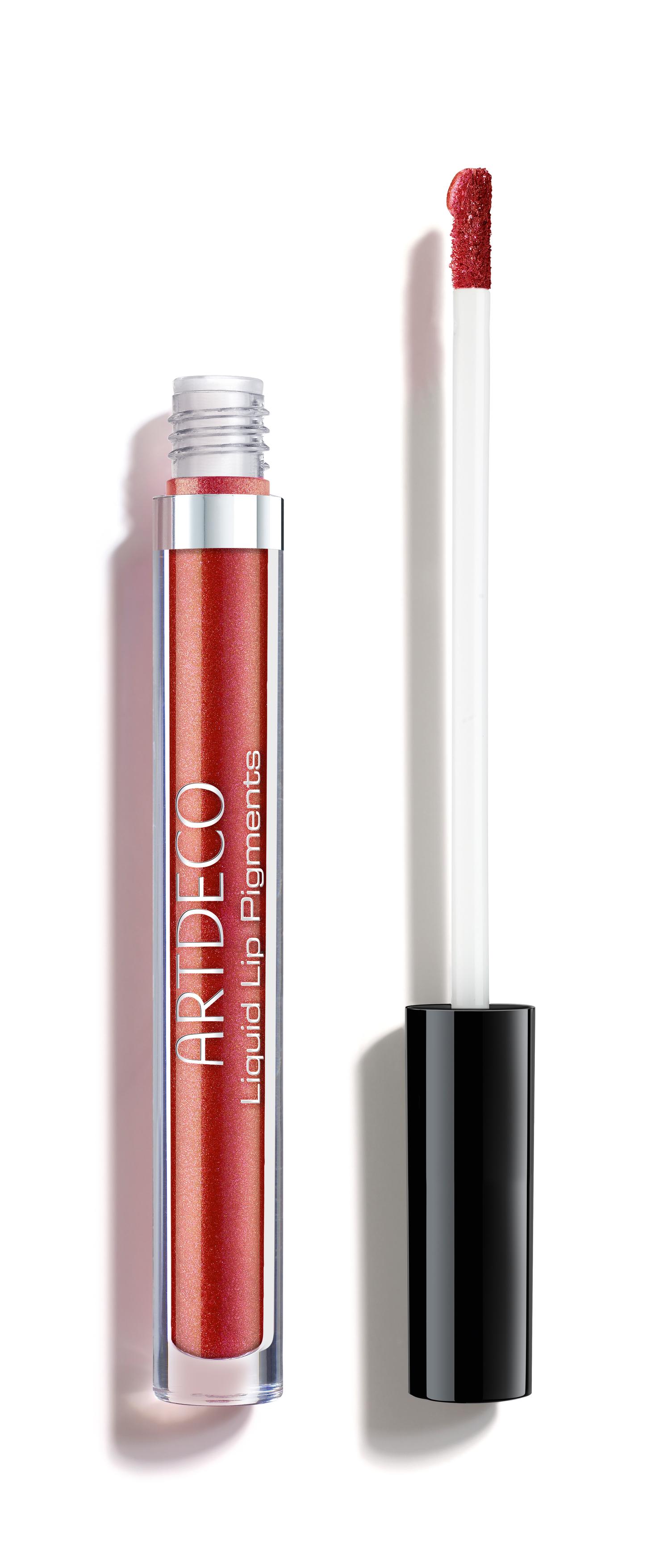 A parabén- és illatanyagmentes Liquid Lip Pigments hosszantartó szájfény maximális pigmenttartalma és apró csillám és gyöngy részecskéi visszaverik a fényt és irizáló ragyogást adnak. A hosszantartó folyékony rúzs jellemzői a maximális fedés, intenzív színeredmény, illetve az elképesztően csillogó és metálos finish. Beleolvad az ajkakba és hosszú ideig a helyén marad. Aloe vera kivonattal és E-vitaminnal táplálja az ajkakat. A vékony, puha applikátor biztosítja a precíz felvitelt.  Az érzéki megjelenést 4 árnyalatban érhetjük el: A 'galactic love' N°2, klasszikus piros, a 'Galaxy pink' N°4 intenzív pink, 'Rosy starlight' N°6 rosé, míg a 'Sparkling kiss' N°8 sötét rózsafa árnyalat. Bőrgyógyászatilag tesztelt.