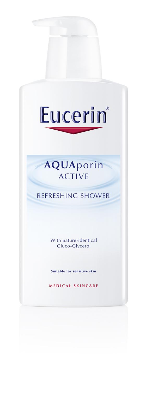 Eucerin AQUAporin ACTIVE Frissítő testápoló<br /><br />Napsütés, kánikula, nyaralás, strandolás, napozás… e szavak hallatán a Te bőröd is szomjazik a hidratálásra? Nem csoda, hiszen nyáron a tűző nap és a forróság épp úgy megviseli bőrünket, mint a téli csípős hideg, ezért fokozottan figyelnünk kell bőrünk ápoltságára és hidratálására. Tökéletes megoldást nyújtanak ilyenkor az Eucerin AQUAporin ACTIVE termékek, melyek hidratálják, puhává és üde tapintásúvá varázsolják a bőrt.<br />A nyári szezonban tehát alaposabb hidratálással óvjuk bőrünket a kiszáradástól, nyaralás során és a hétköznapokban is egyaránt. Ilyenkor akaratlanul is éri bőrünket a napsütés, a kánikula, a hideg-meleg levegő gyakori váltakozása, melyek mind-mind hozzájárulnak bőrünk nedvességtartalmának csökkenéséhez. <br />